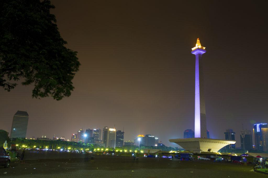 Das National Monument Jakarta Indonesien in der Nacht