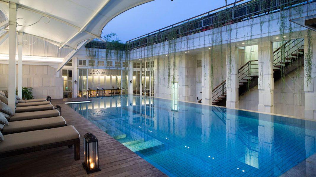 The Hermitage Jakarta Hotel Pool